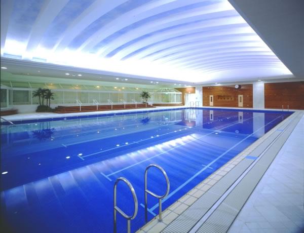 TACサンプラザ スポーツスペース 屋内温水25mプール