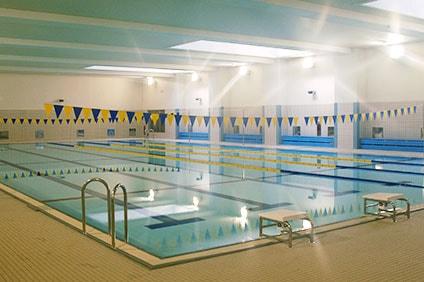 梅丘中学校温水プール 25mプール