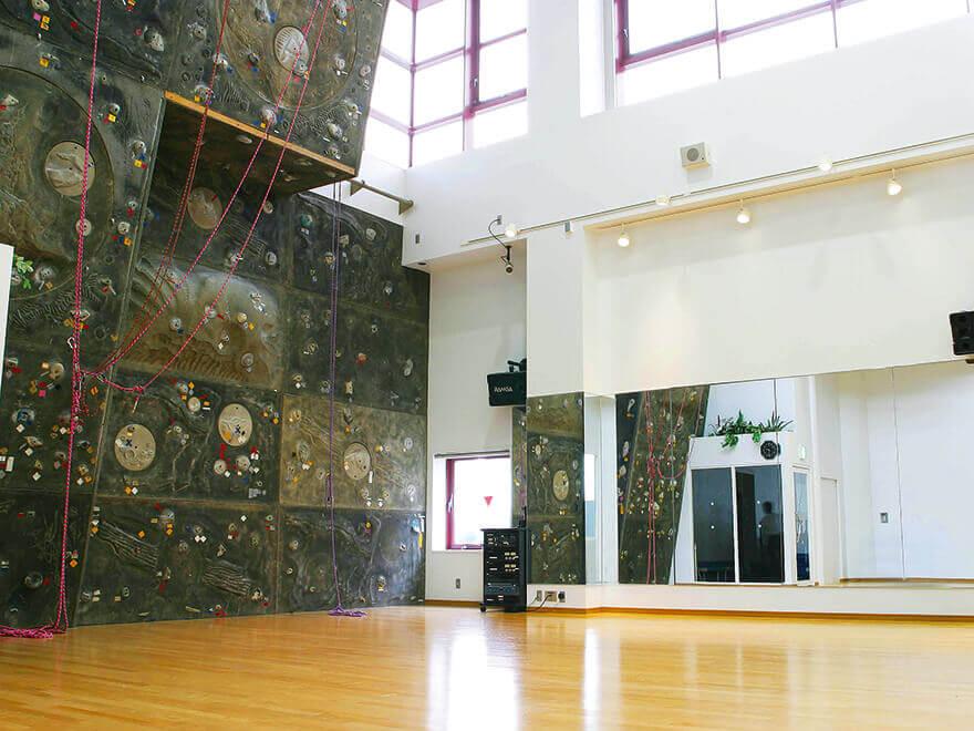 セントラルフィットネスクラブ西台 メインスタジオ(バイクレッスン・クライミングウォール)