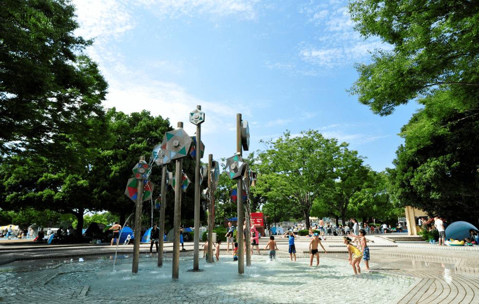 国営昭和記念公園レインボープール モニュメントプール