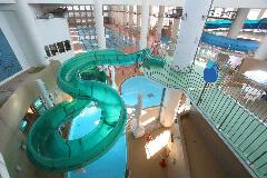多摩市立温水プール アクアブルー多摩 ボディースライダー